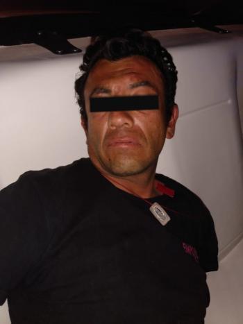 Policías de la SSC aprehenden a un implicado por presunto robo a negocio en la Colonia Tacuba