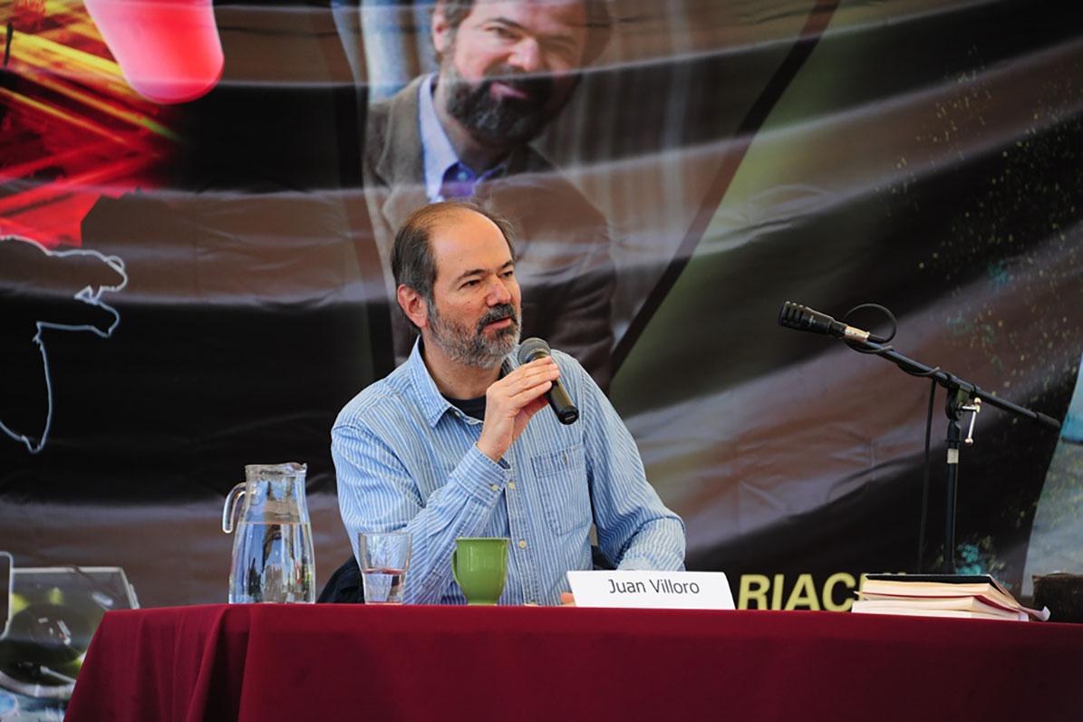 Juan Villoro enamora al público de Ecatepec, el