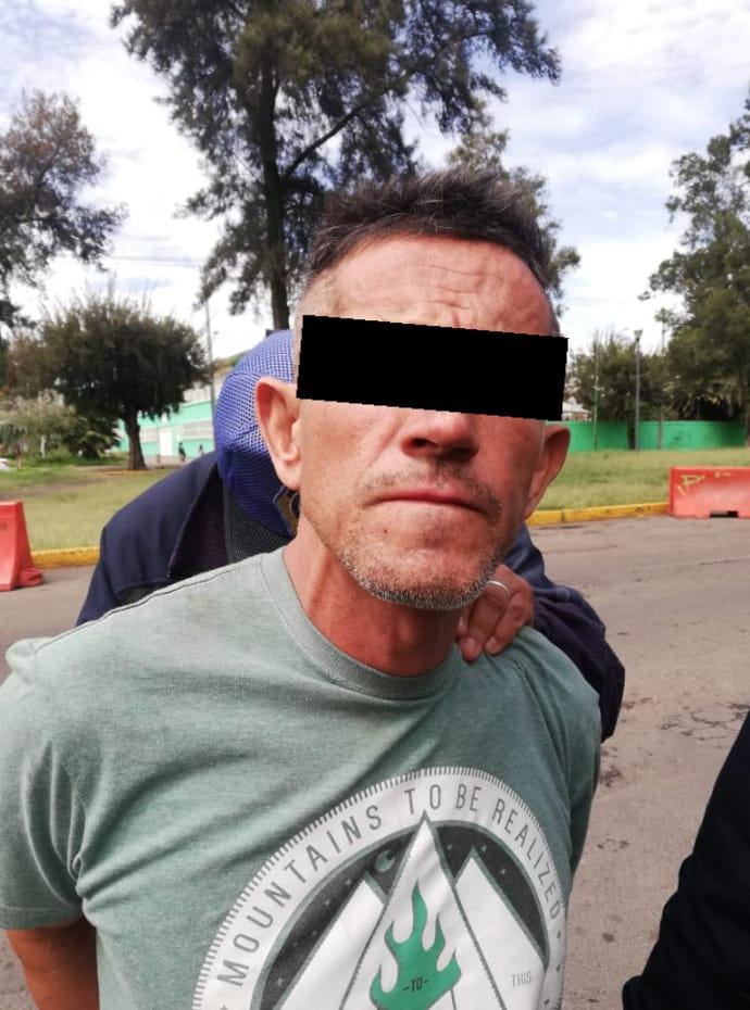 Policías Auxiliares de la SSC detienen a un Hombre que despojó de sus pertenencias a un peatón tras golpearlo con una Baqueta de Tambor