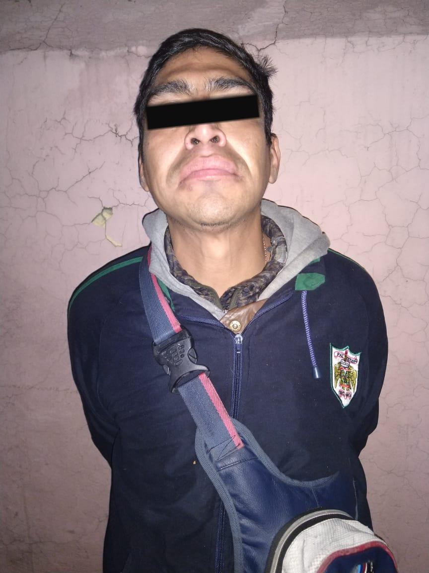 Policías de la SSC detienen a un hombre por presunto robo a casa habitación en Miguel Hidalgo