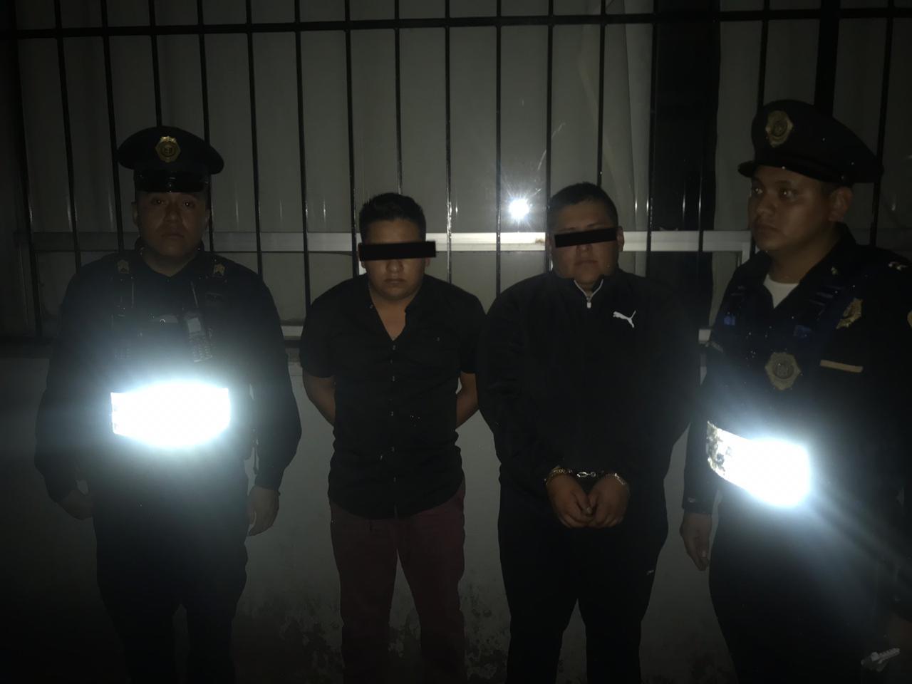 Policías de la SSC detienen a dos implicados por presunto robo a conductor con violencia en Coyoacán