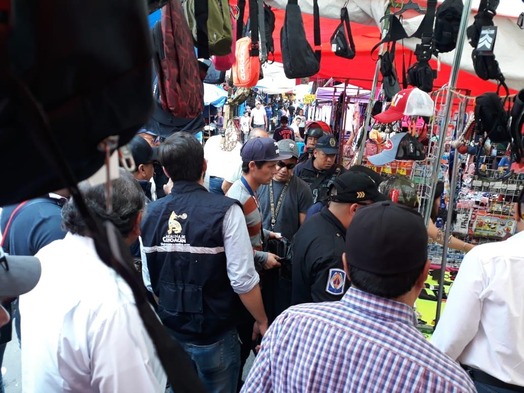 Coyoacán realiza operativo en inmediaciones del Mercado de La Bola