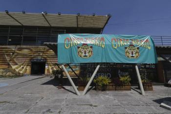 Conversan en Faro de Oriente sobre circo social