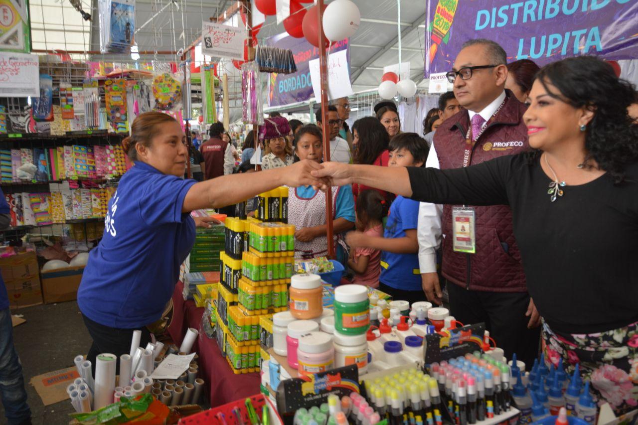 Inauguran Clara Brugada y José Eduardo Ramos la XXI Feria de Regreso a Clases 2019 en la Macroplaza de Iztapalapa