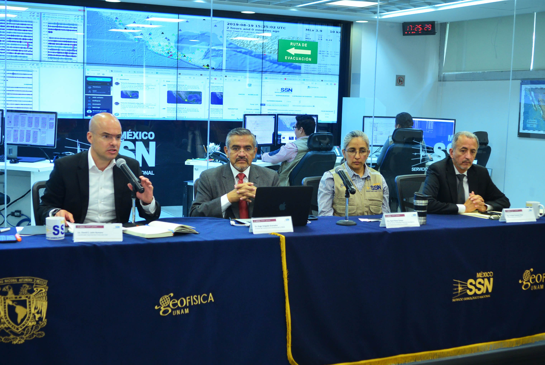 Se reúnen en la UNAM expertos Sismólogos con autoridades Gubernamentales de Protección Civil