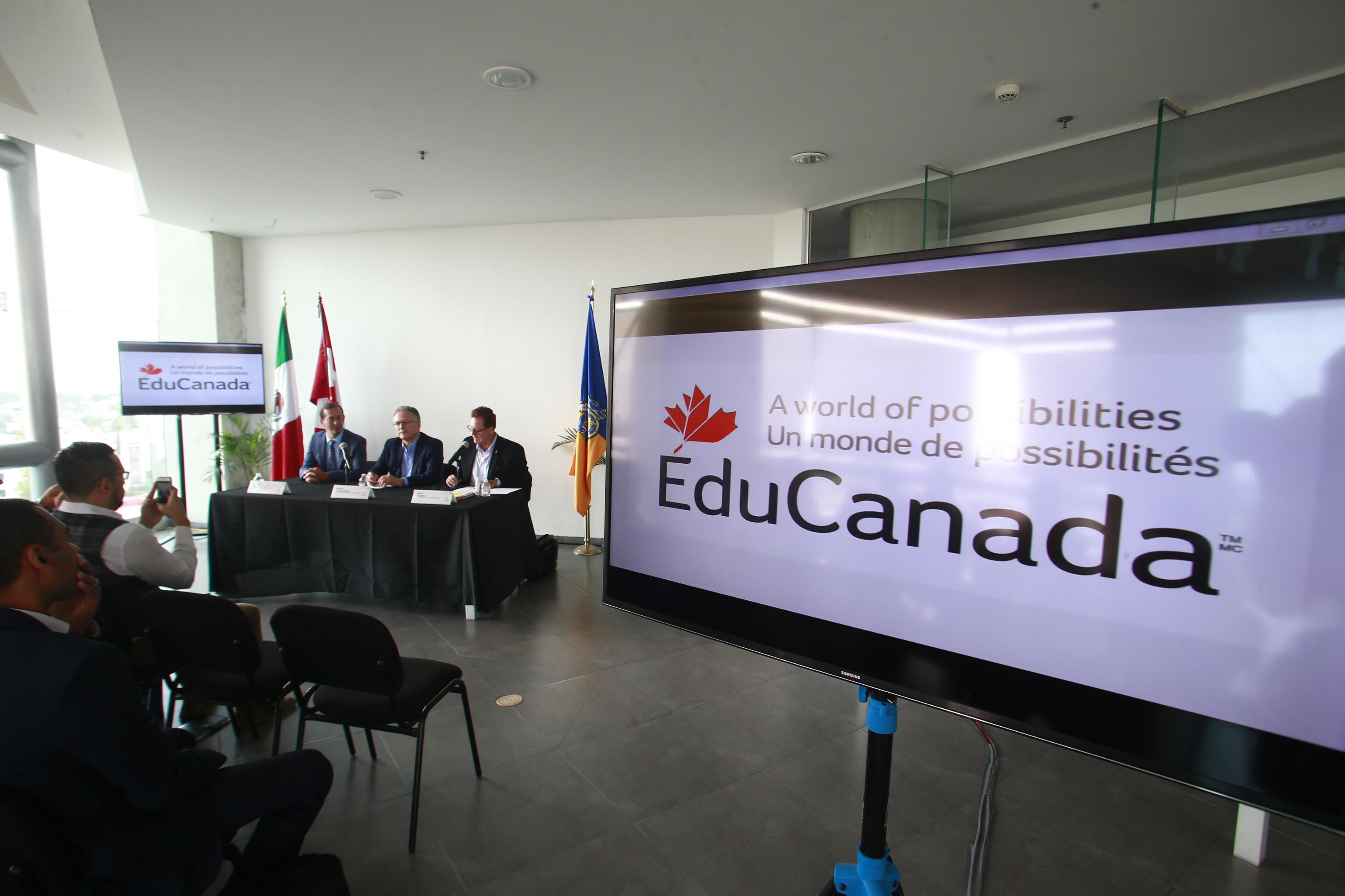 Firman acuerdo SICYT y Languages Canada para otorgar Becas de idiomas