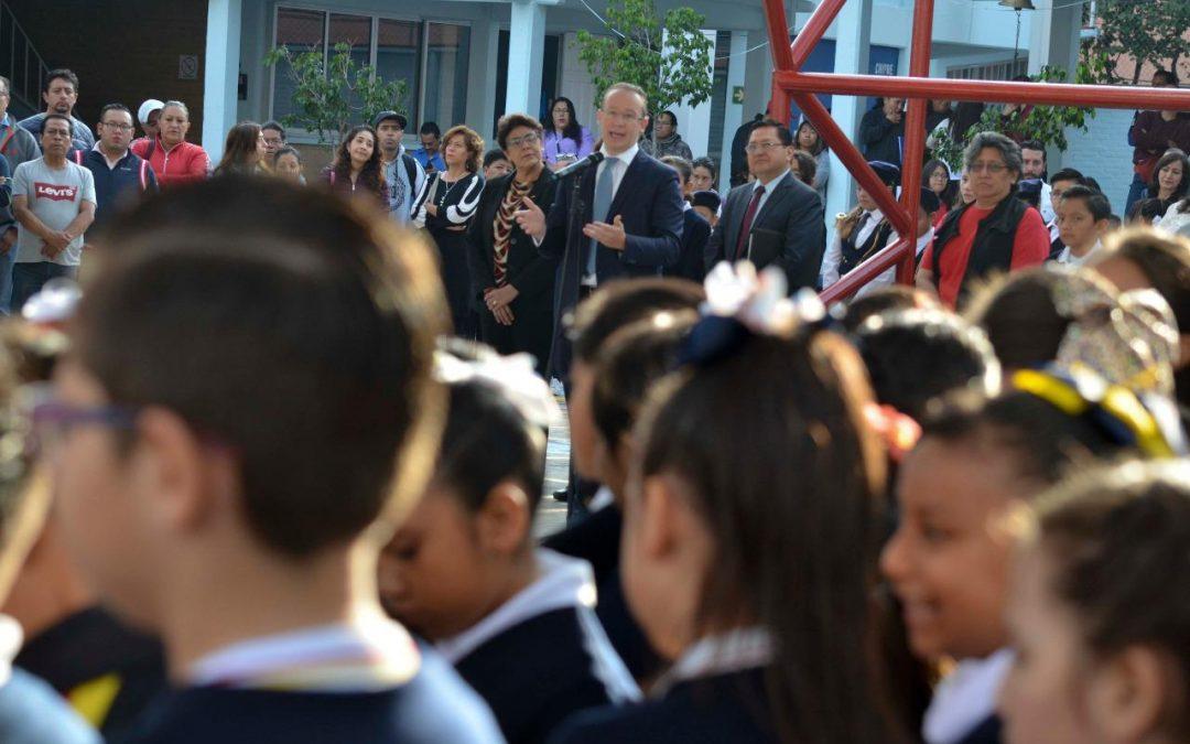 Alcalde Santiago Taboada en Benito Juárez da inicio al ciclo escolar 2019-2020 con la entrega de Escuelas Dignas