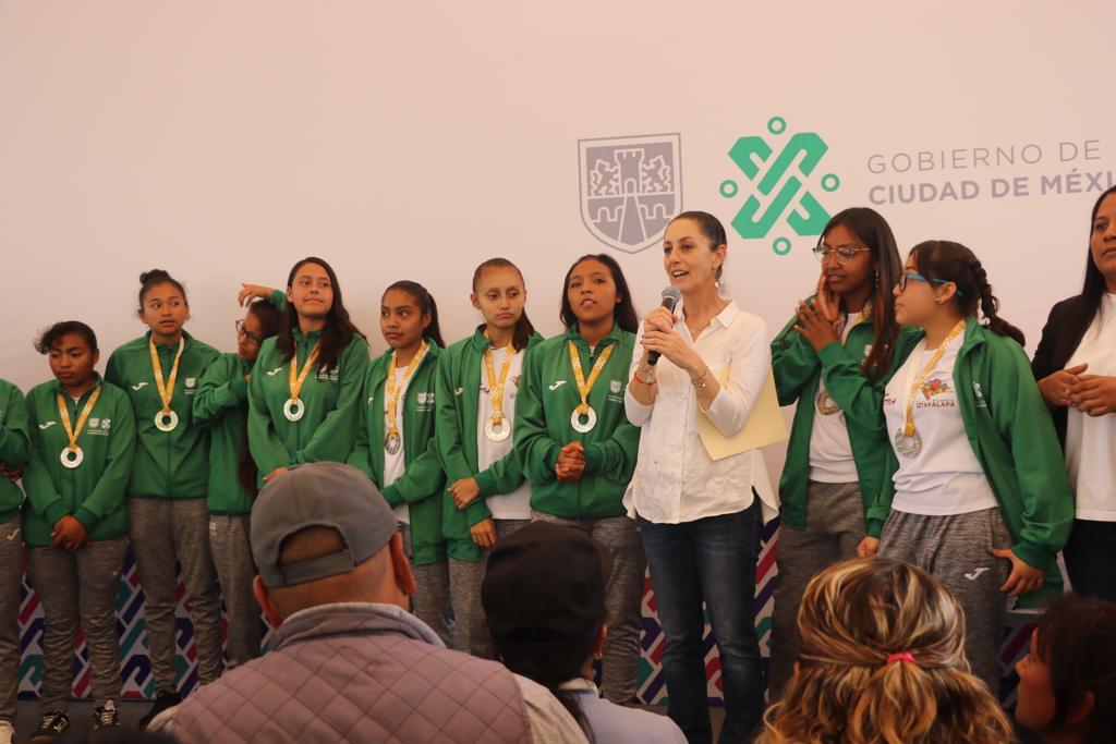 Gobierno de la CDMX fortalece Educación Básica con cinco programas en beneficio de niñas y niños