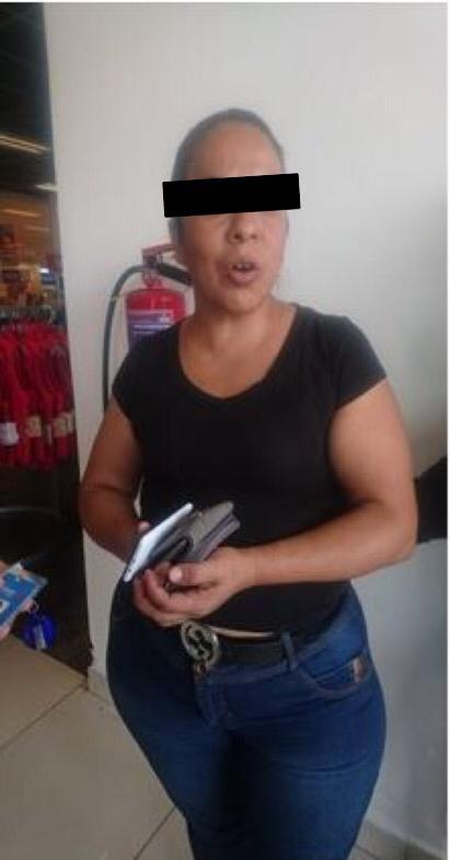 En dos hechos distintos Policías de la SSC detienen a cinco personas por presunto robo a negocio