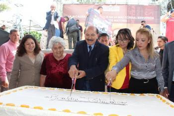 Celebra Iztacalco a los adultos mayores en el Día del Abuelo
