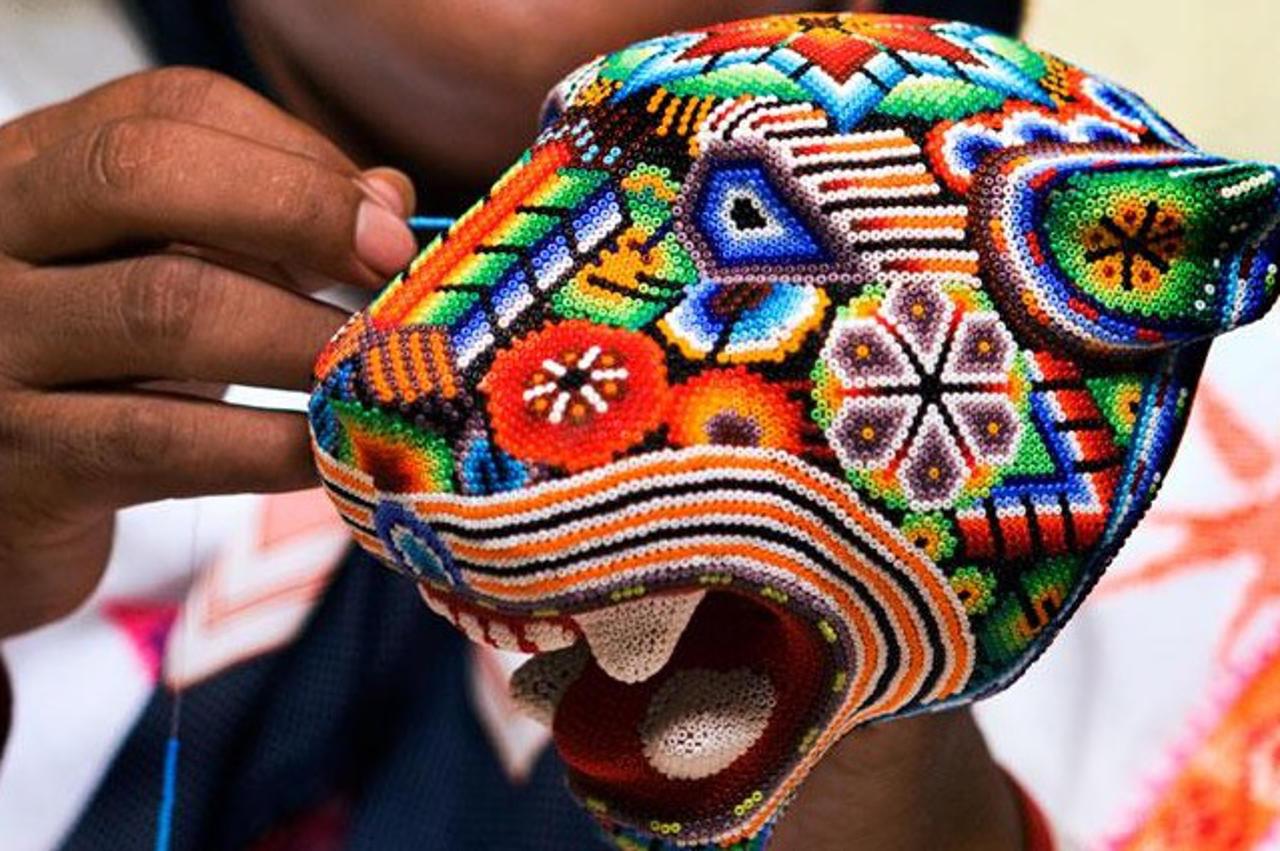Revaloran trabajo artesanal en el Zócalo capitalino