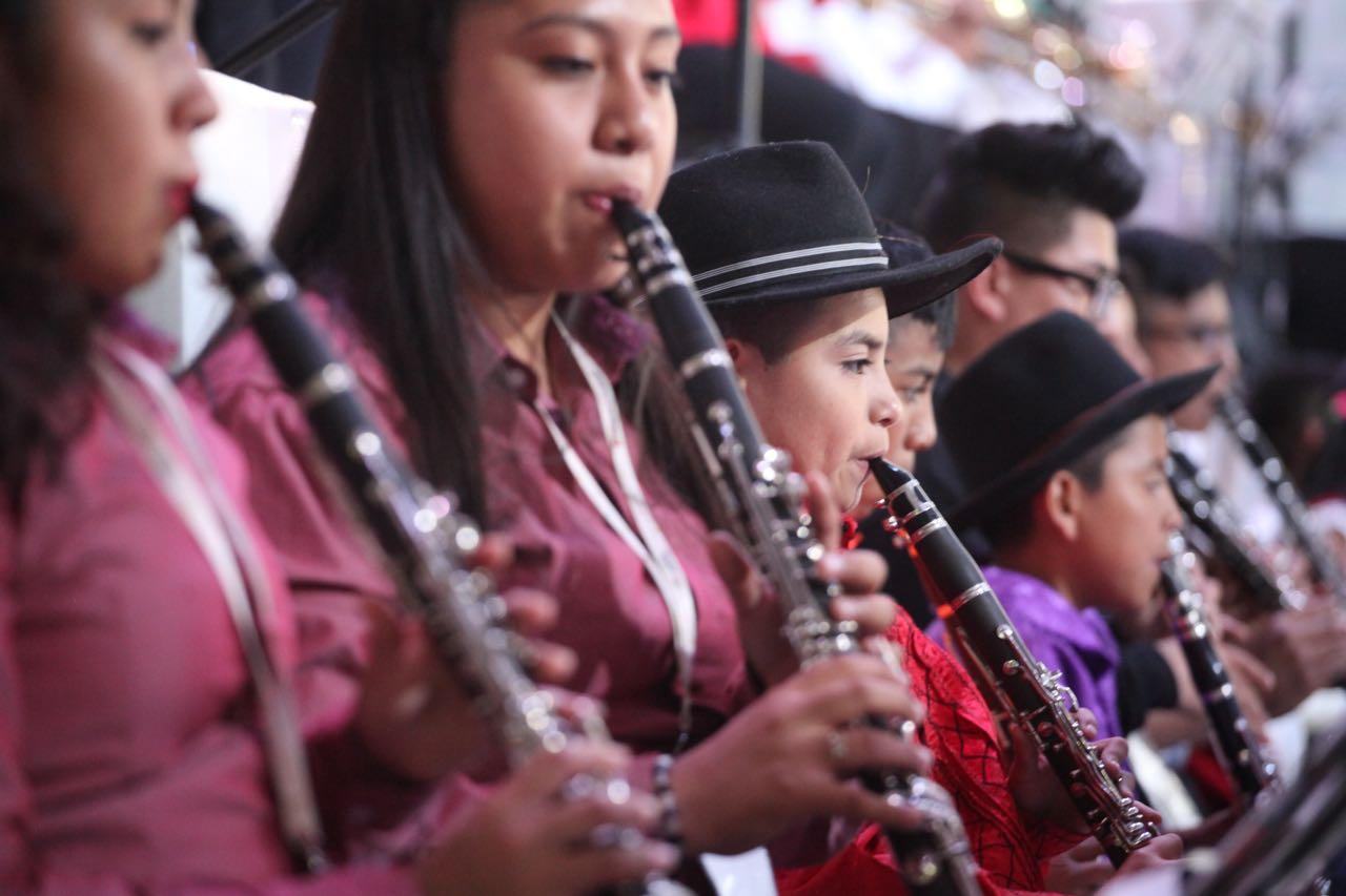 Concierto monumental de bandas de viento oaxaqueñas despide Sexta Fiesta de las Culturas Indígenas