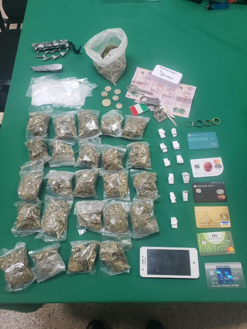 En dos acciones diferentes Policías de la SSC detienen a cuatro personas por posesión de presunta Droga