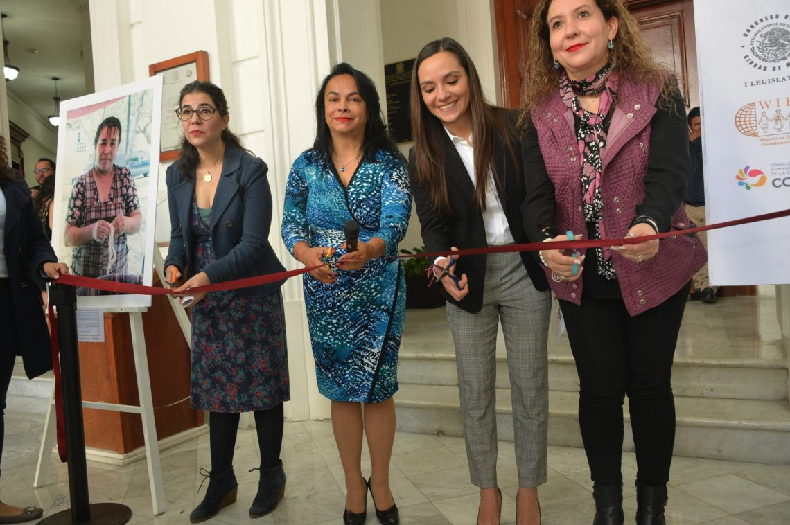 Inauguran en vestíbulo del Congreso CDMX exposición fotográfica Trabajo informal es trabajo