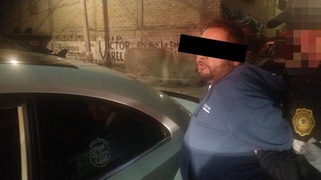 Por posesión ilegal de un arma de fuego, 49 cartuchos y un vehículo, elementos de la UTAP de la SSC detienen a dos hombres en Iztapalapa