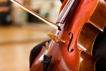 Alumno del CCOY destaca en examen profesional de violonchelo