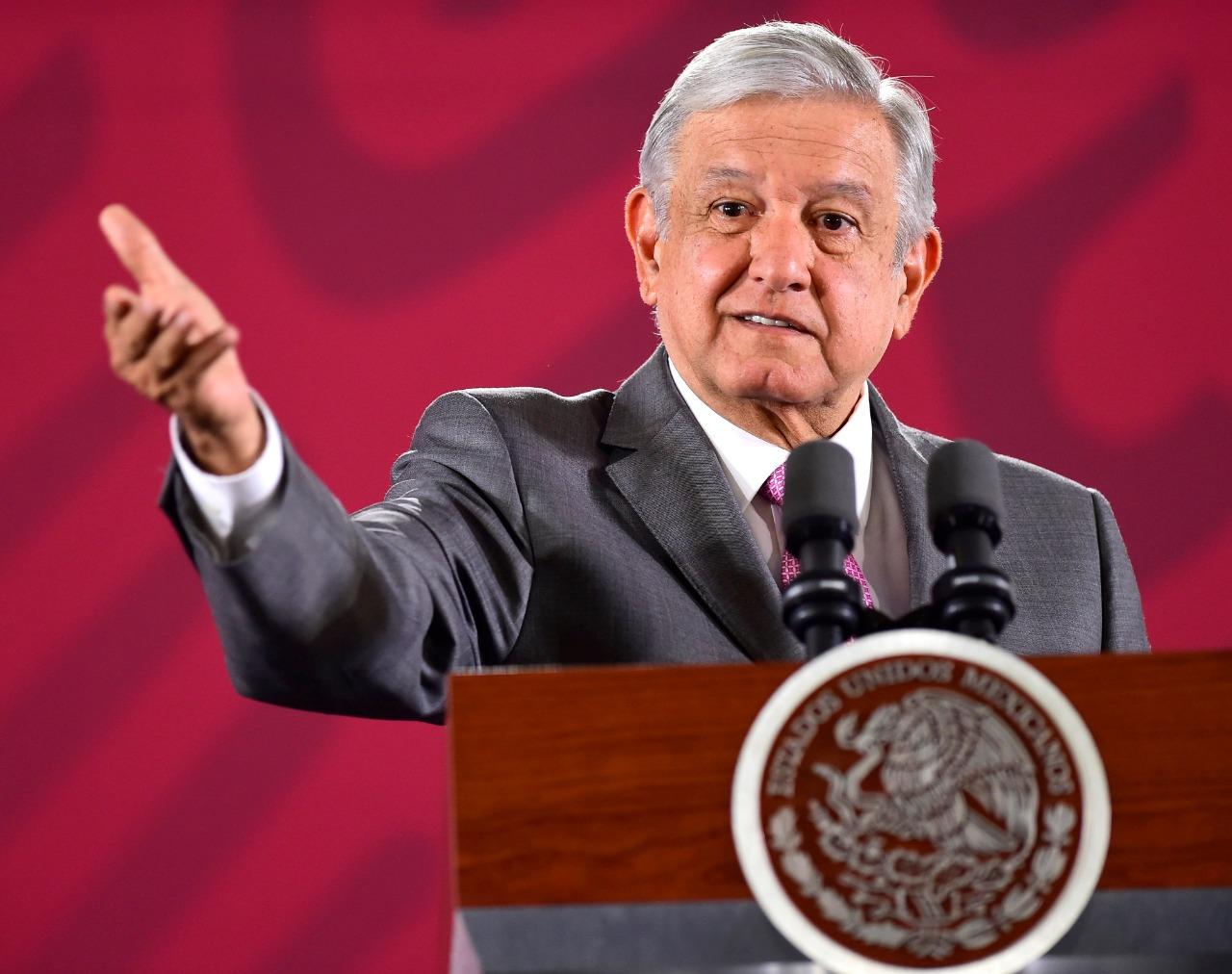 Presidente López Obrador instruye iniciar recursos legales para investigar funcionarios y jueces por caso Ayotzinapa