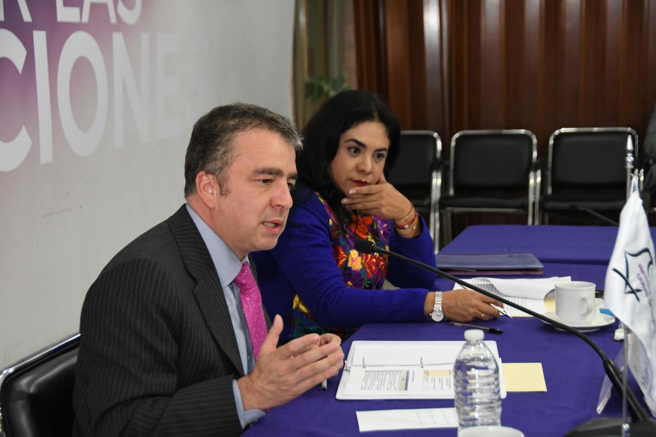 Intercambia IECM experiencias en observación electoral con visitantes y especialistas de El Salvador