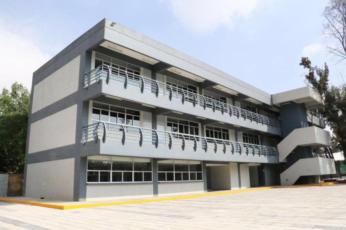 Inician clases 8 Mil 33 Jóvenes en tres sedes del Instituto de Educación Superior Rosario Castellanos