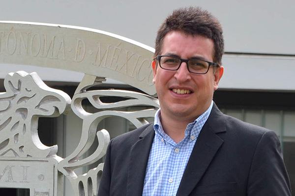 Luis Alberto Zapata González, director del Instituto de Radioastronomía y Astrofísica de la UNAM