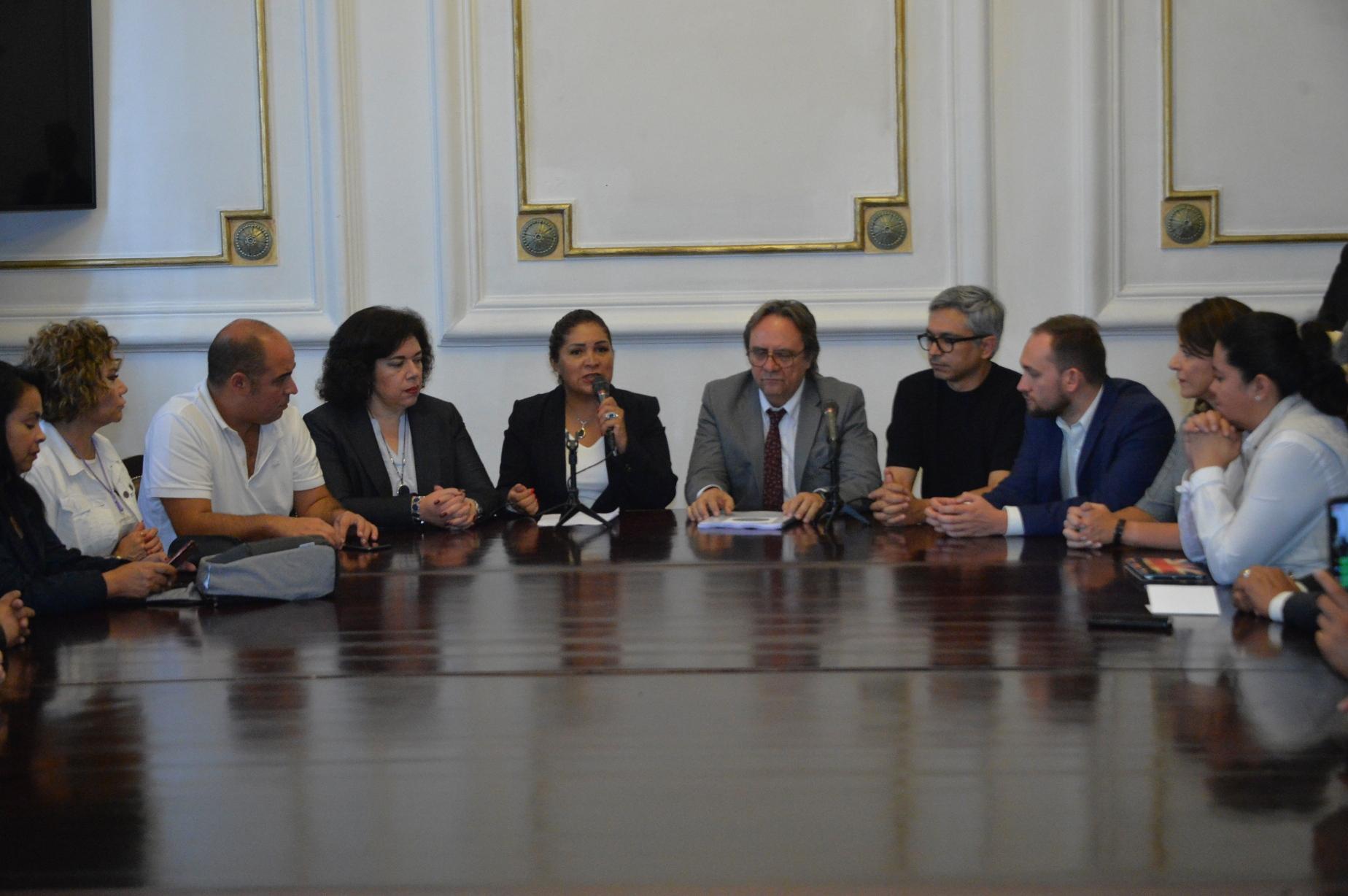 El Congreso CDMX recibe iniciativa Ciudadana para regular el Trabajo Informal en la Capital