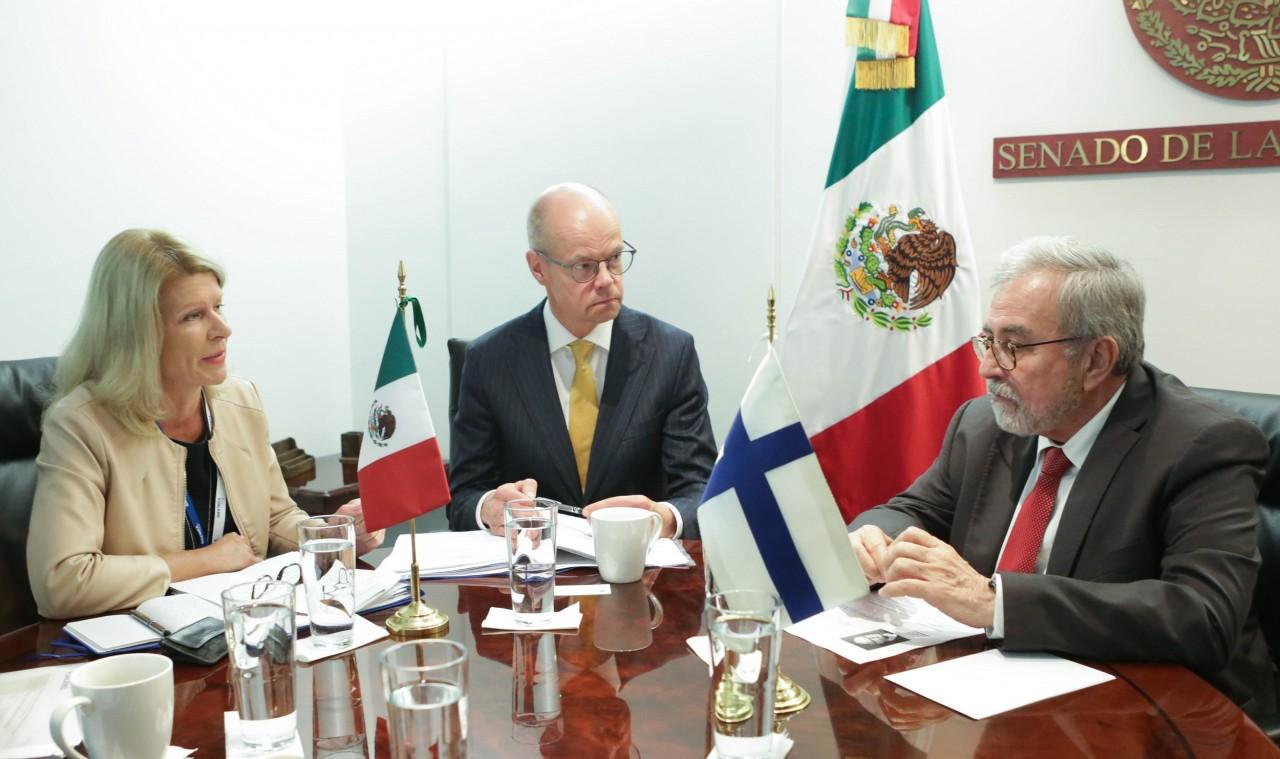 México y Finlandia intercambian ideas para aplicarlas a sus sistemas educativos