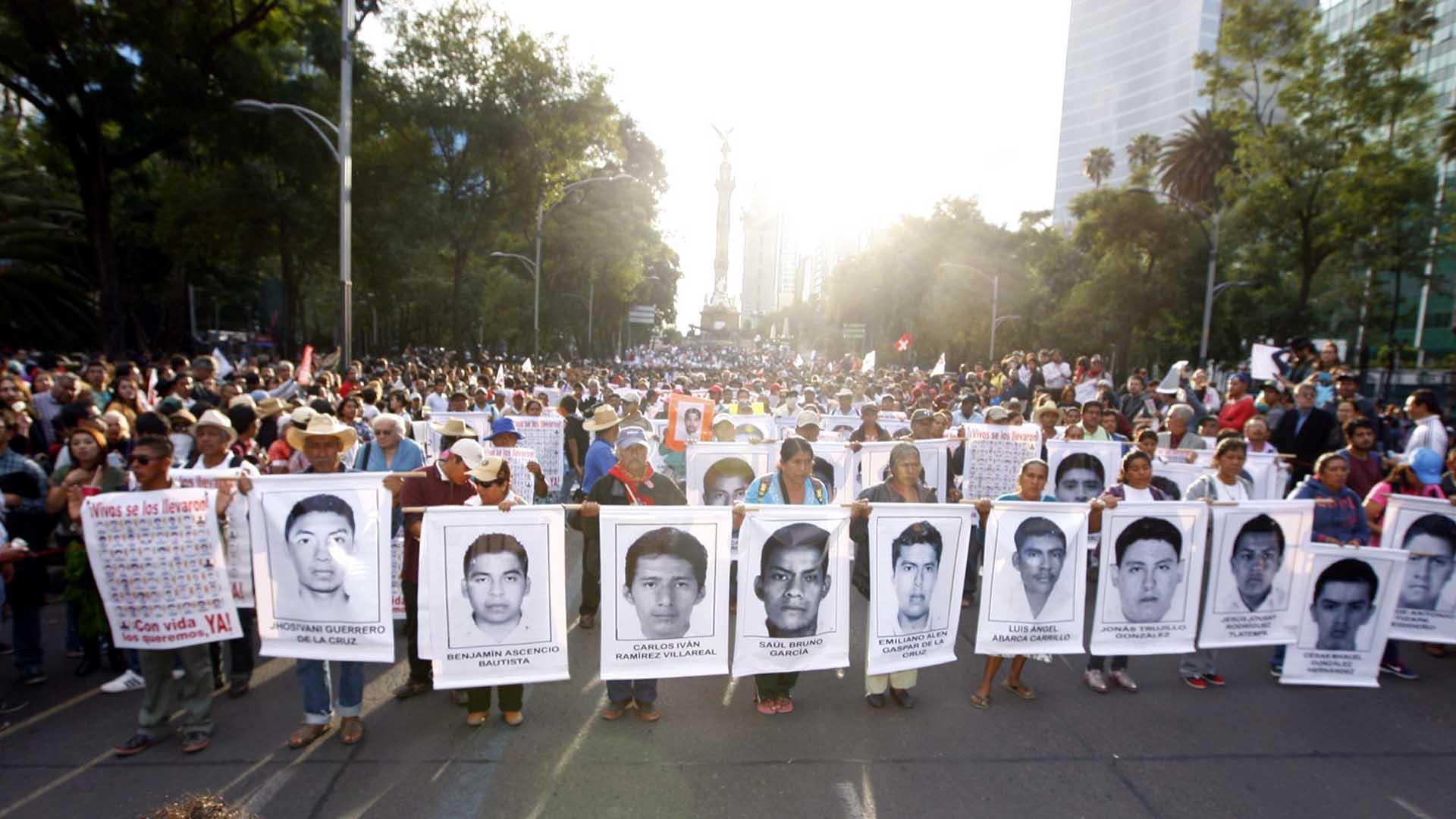 Por conducto del Ejecutivo federal habrá próximo encuentro entre FGR y familiares de los 43 estudiantes de Ayotzinapa
