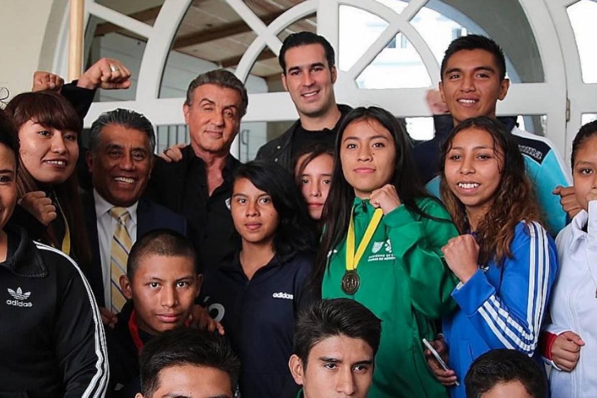 Sylvester Stallone convive con jóvenes boxeadores mexicanos