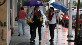 Se prevén lluvias ligeras durante todo el día; y fuertes dispersas al Sur, Oriente y Poniente