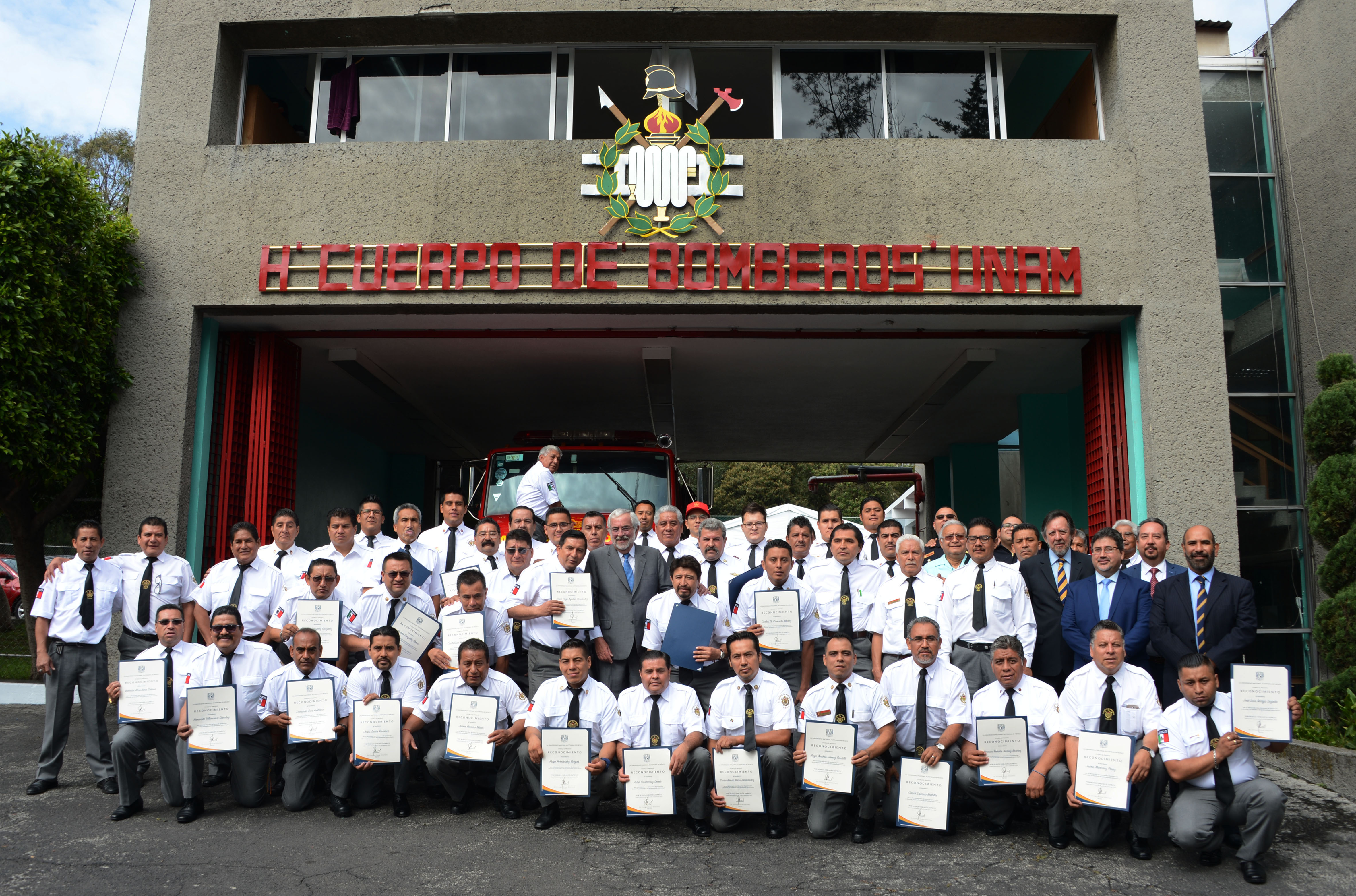 Reconoce la UNAM a su Heroico Cuerpo de Bomberos