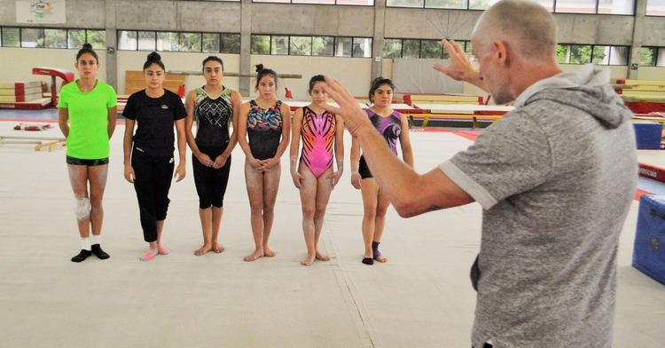 Inician gimnastas mexicanos participación en la Copa Guimaraes en Portugal