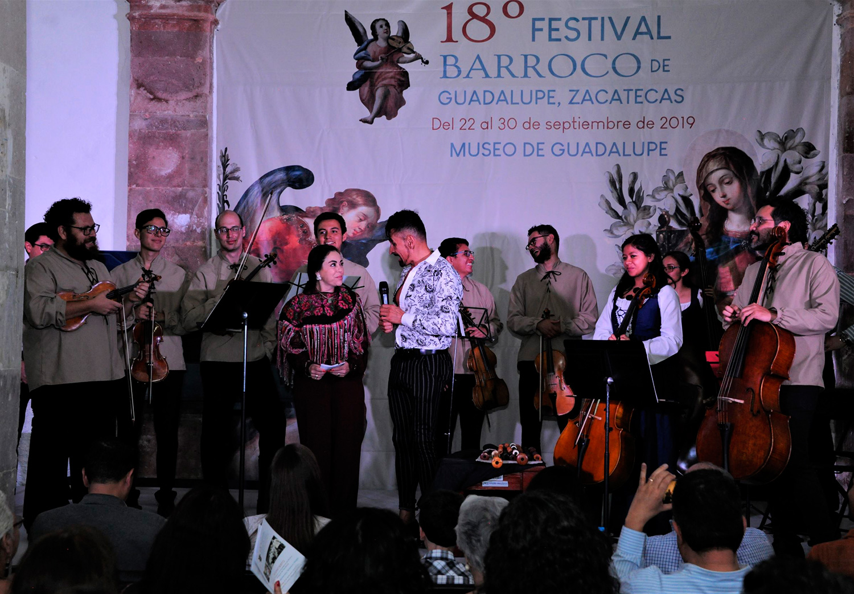 Horacio Franco dona concierto al pueblo minero de Vetagrande en Zacatecas