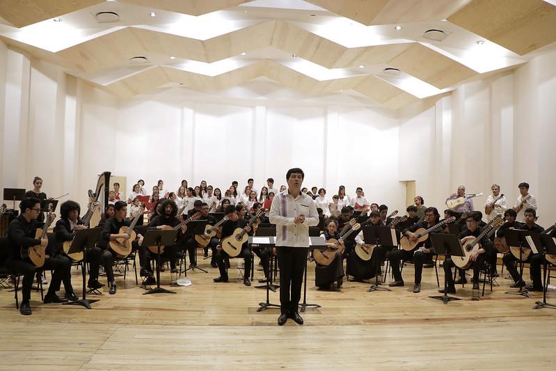 Jóvenes guitarristas muestran su talento en el Centro Cultural Ollin Yoliztli