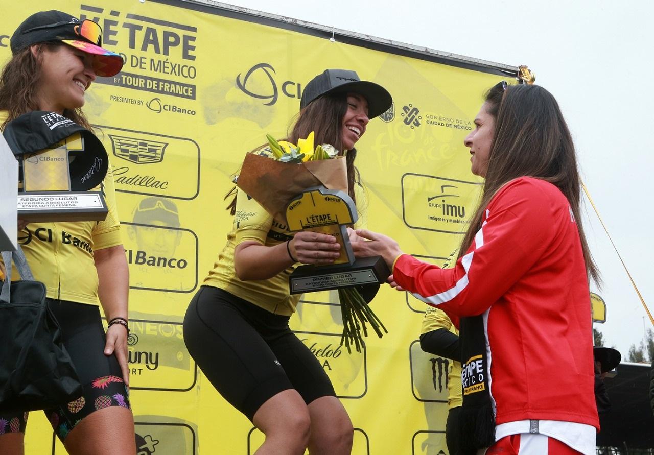 Premia Ana Guevara a los ganadores de L´Etape CDMX del Tour de Francia