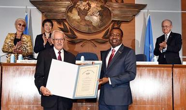 Recibe el Mexicano Roberto Kobeh González  el Premio Edward Warner, máximo galardón  en Aviación Civil Internacional