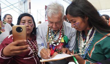 De nuevo vamos a mirarnos de frente, manifiesta presidente López Obrador a pueblos indígenas en Hermosillo