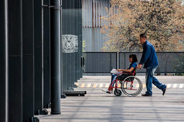 Invitan expertos a fomentar la inclusión de personas con discapacidad
