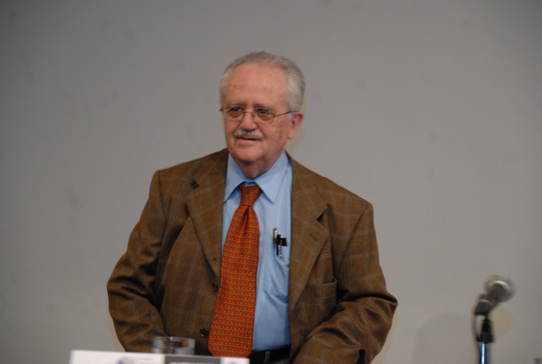 Fallece el escritor y crítico literario José de la Colina
