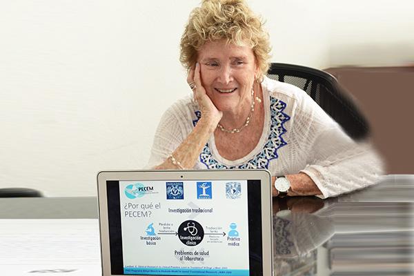 Cuenta la UNAM con primeros médicos-investigadores de excelencia