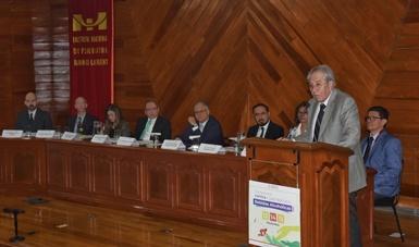 Escucha y diálogo familiar, base del modelo nacional de atención a las adicciones: Jorge Alcocer Varela