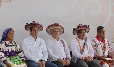 En Nayarit, presidente López Obrador anuncia construcción de caminos a La Yesca y Ocotán