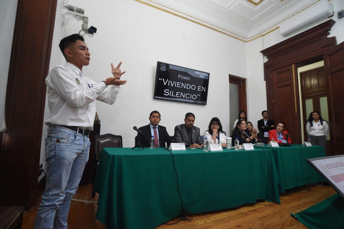 Realizan en el Congreso de la Ciudad de México el foro Viviendo en Silencio