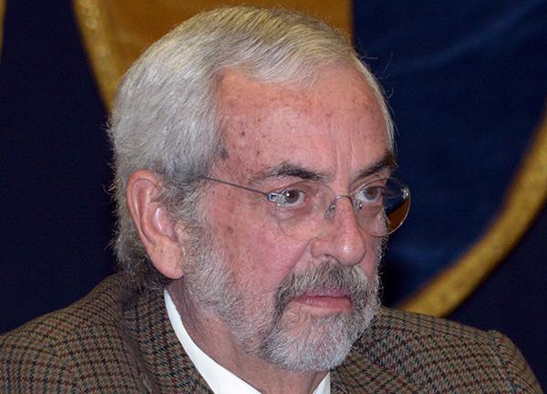 Recibe Enrique Graue doctorado honoris causa por la Universidad Ricardo Palma, de Perú