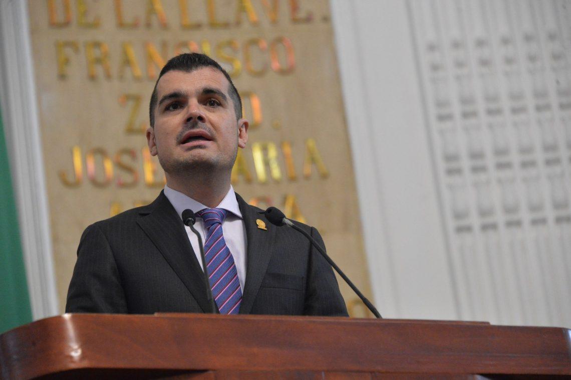 El pleno del Poder Legislativo local reforma el Código de Instituciones y Procedimientos Electorales; deroga la figura del Diputado Migrante