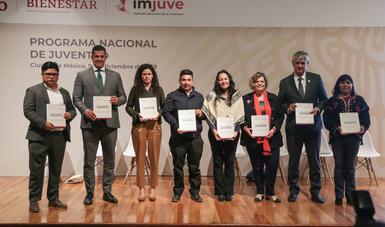 Poner a los jóvenes en el centro de la política social es reducir las brechas de injusticia: María Luisa Albores