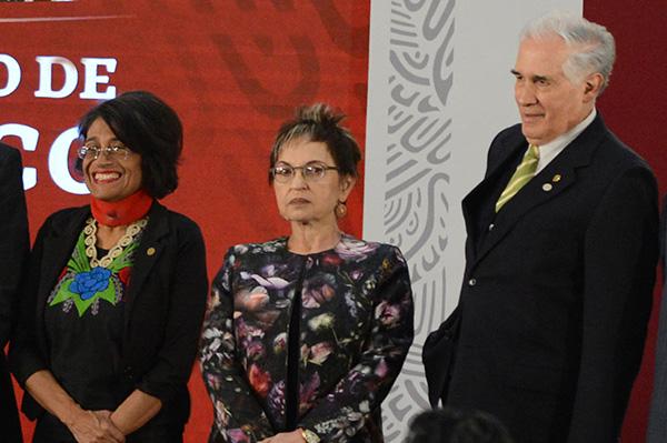 Reciben tres universitarios premios nacionales de Ciencias, y de Artes y Literatura 2019