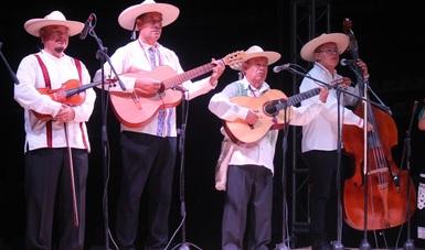 Grupo Huriata acerca la música local a los jóvenes y preserva la tradición en Michoacán