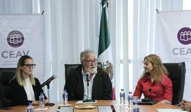 El subsecretario Alejandro Encinas le toma protesta a la nueva titular de la Comisión Ejecutiva de Atención a Víctimas, Mara Gómez Pérez