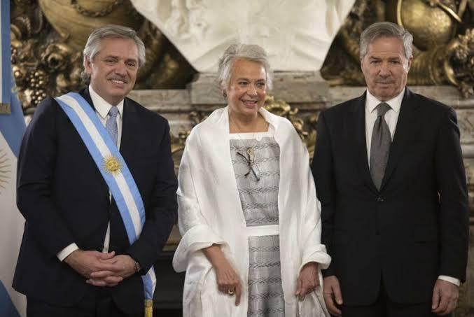 Participación en la ceremonia de Transmisión del Mando Presidencial en la República Argentina