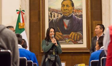Recibe Diana Álvarez Maury a estudiantes afectados por la explosión en Tlahuelilpan, Hidalgo